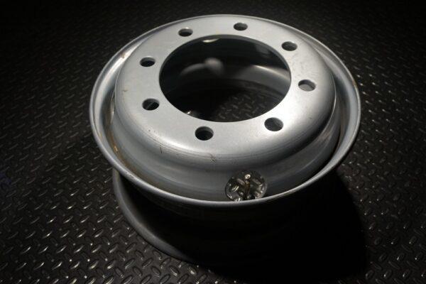 """17.5"""" inch 8 lug Dual Trailer Wheel 8x275mm Bolt"""